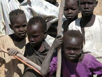 Children in Marial Bai